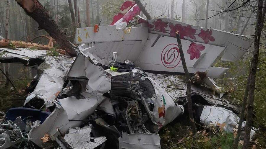 FOTO Catastrofă avia în Rusia! Patru persoane au decedat în urma unei aterizări forțate în taiga