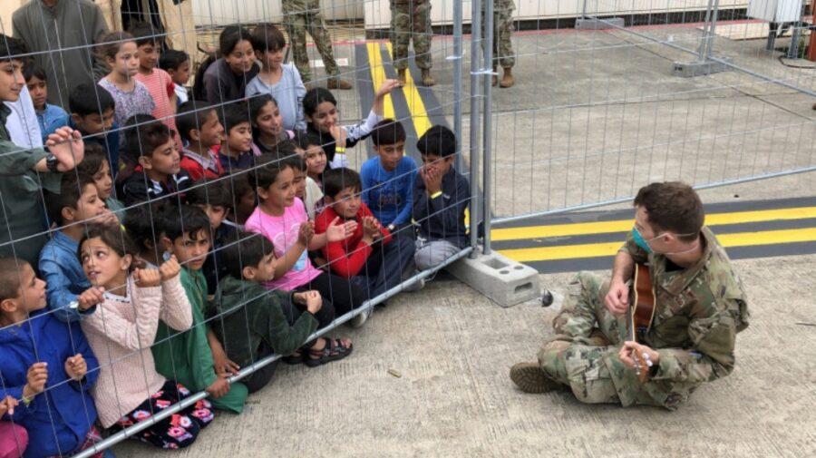 """Austria, Cehia şi Danemarca nu vor migranți din Afganistan: """"N-ar trebui să vină în Europa, ci să rămână în regiune"""""""