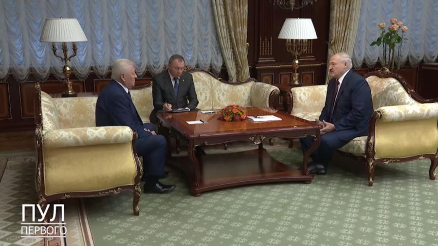 VIDEO Mesaj pentru Maia Sandu? Lukașenko, la întrevederea cu ambasadorul moldovean rechemat, l-a lăudat pe Dodon