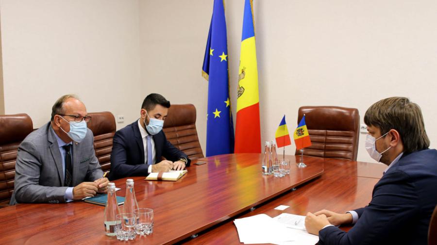 """Au pus """"cap la cap"""" proiectele prioritare. Andrei Spînu a avut o întrevedere cu ambasadorul României, Daniel Ioniță"""