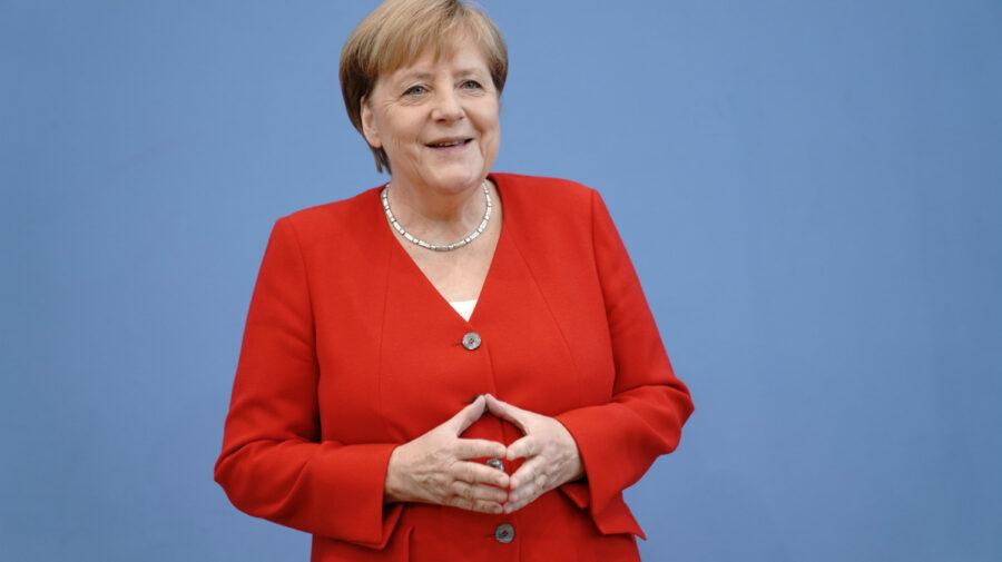 """""""Angela Merkel"""" – scoasă la vânzare. Un ursuleț de pluș îi poartă numele"""