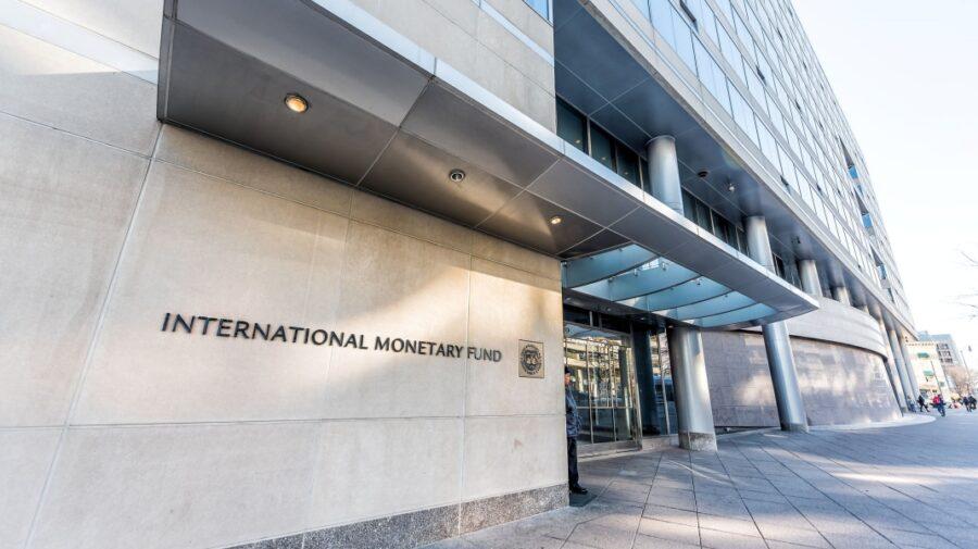 Există un risc mare de inflație! FMI sfătuiește băncile centrale să fie foarte atente