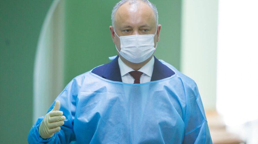 Dodon așa și nu s-a mai vaccinat. Afirmă că nu este Sputnik V în Moldova. Când erau disponibile dozele găsea scuze