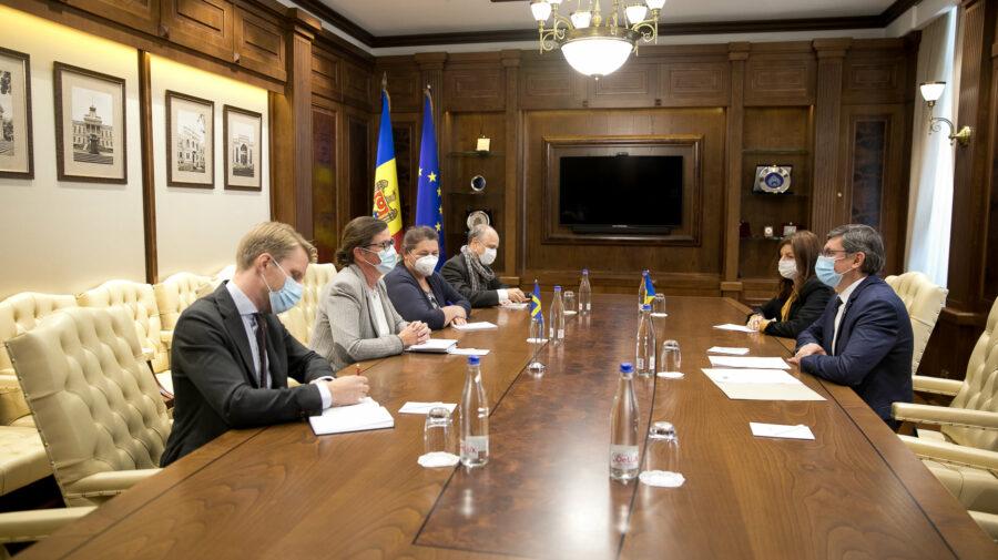 A venit și la Grosu! După trei săptămâni, noua ambasadoare a Suediei s-a întâlnit și cu președintele Parlamentului