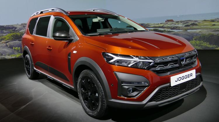 """VIDEO Dacia a prezentat modelul """"Jogger"""", primul hibrid al mărcii dar și cel mai scump de până acum"""