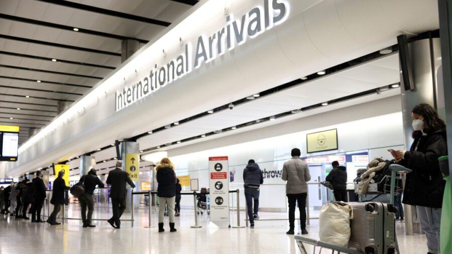 În atenția moldovenilor cu cetățenie română! Nu veți mai putea intra în Marea Britanie doar cu cartea de identitate