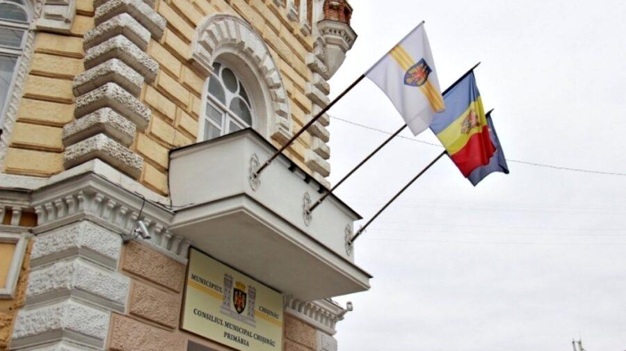 FOTO Carosabil în centrul Chișinăului – sub risc de prăbușire