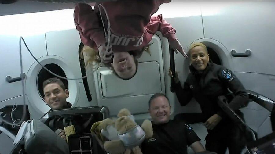 """VIDEO Primii astronauți ai capsulei SpaceX s-au întors pe Terra! """"Asta abia începe"""""""