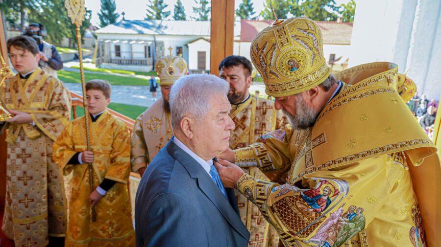 FOTO La 80 de ani, Voronin s-a ales de la mitropolitul Vladimir cu o distincție religioasă