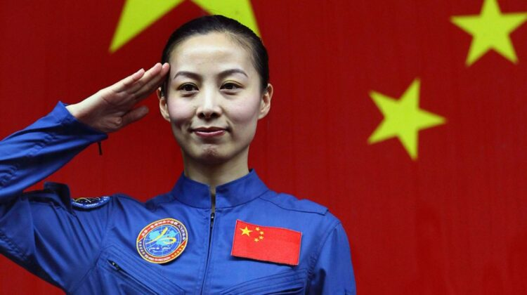 FOTO Viitoarea misiune cu echipaj spre Staţia spaţială chineză va include şi o femeie