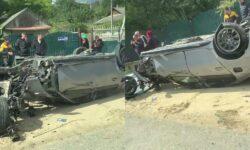 Accident de GROAZĂ la Hîncești! Un BMW, inversat pe stradă. I-au sărit roțile. VIDEO de la fața locului