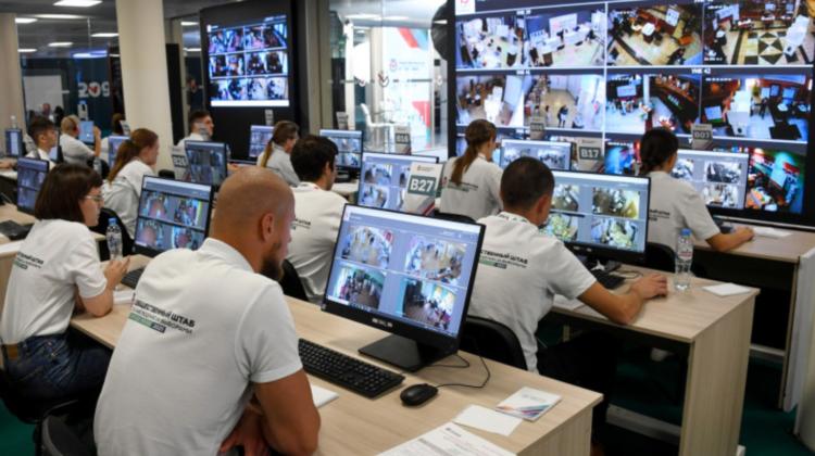 """Alegeri parlamentare în Rusia: Comisia electorală rusă a denunţat atacuri informatice """"din străinătate"""""""