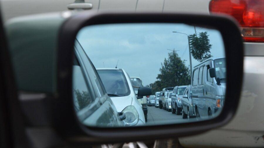 O nouă zi cu flux sporit de mașini în capitală. Cel mai dificil se circulă în sectorul Rîșcani!