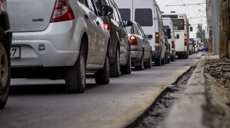RTEC informează! Pe mai multe străzi din Capitală se înregistrează ambuteiaje, iar unele rute înregistrează întârzieri