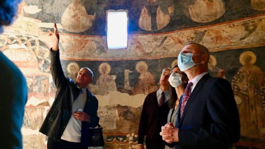 FOTO Evoluția lucrărilor de restaurare a unei biserici vechi din Căușeni. Ministrul Culturii a inspectat lăcașul sfânt