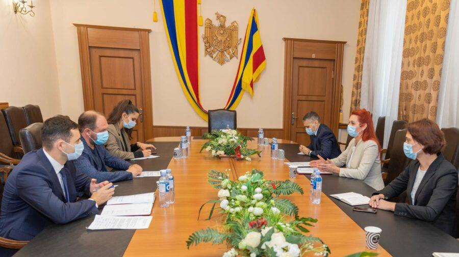 VIDEO Au convenit că se întâlnesc peste o lună! Ce a discutat edilul Capitalei, Ion Ceban cu ministra MAI, Ana Revenco