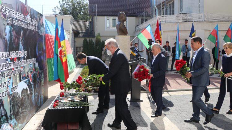 VIDEO Victimele războiului din Karabah, comemorate la Chișinău. Cine a participat la eveniment