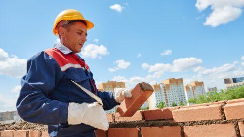 Se majorează leafa constructorilor! Vor avea un salariu mai mare cu peste 2 mii de lei de la 1 octombrie