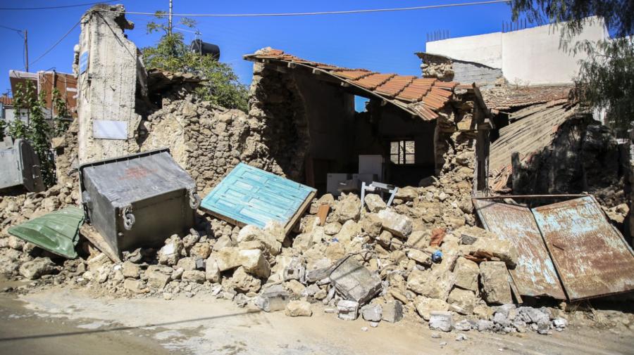 FOTO Cutremur puternic înregistrat pe insula Creta. Un om a murit, mai mulți răniți și clădiri dărâmate