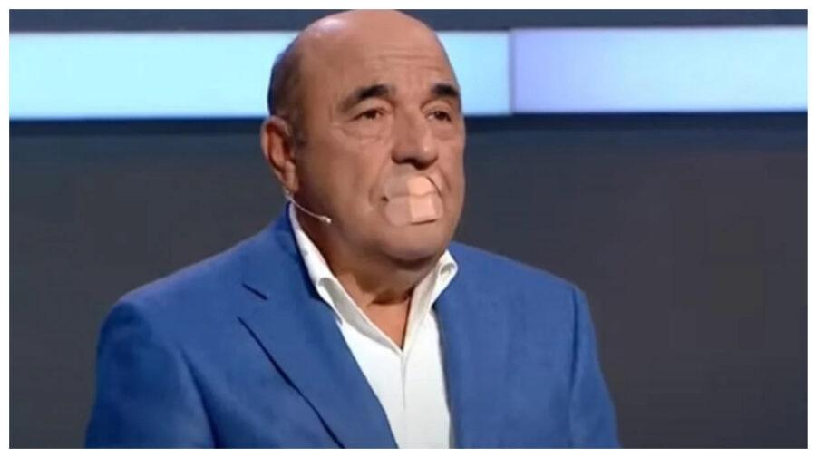 VIDEO Plasture încleiat peste gură, formă de protest a unui deputat din Ucraina în timpul unei emisiuni. Motivul