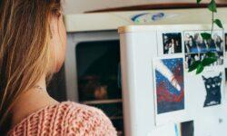 Frigiderul consumă cea mai multă lumină din casă. Există cel puțin 7 soluții ca să plătiți mai puțin pentru el