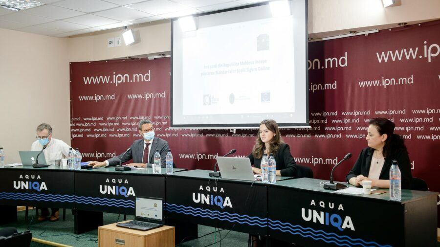 În Moldova începe pilotarea standardelor Școlii Sigure Online. Ce presupune asta? La Strada: Va fi în 6 școli