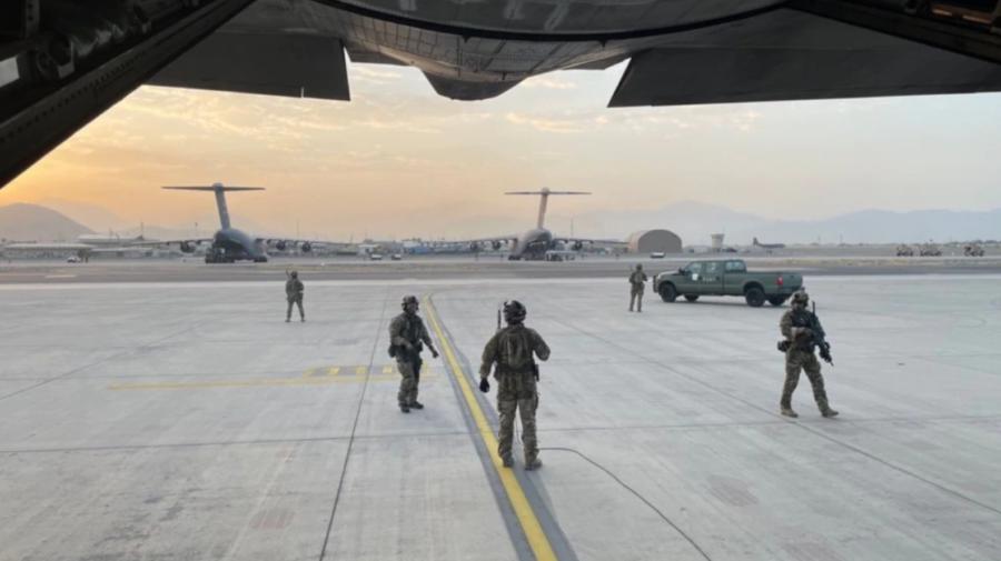 Aeroportul din Kabul, redeschis pentru primirea de ajutoare. Ce spune ambasadorul emiratului Qatar în Afganistan