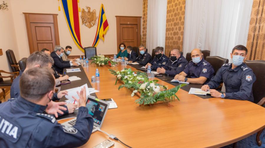 """5 soluții ale INSP pentru a scăpa de ambuteiajele din Chișinău! Când începe """"experimentul"""" MAI"""