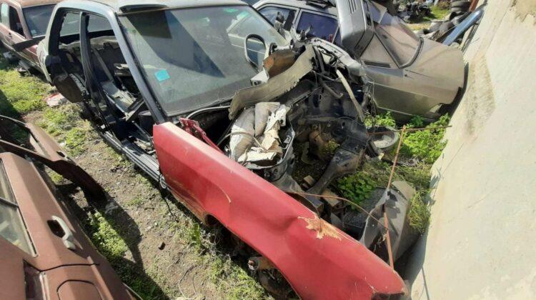 """FOTO Serviciul Vamal """"luptă"""" cu ilegalitățile! Au dat buzna la un parc de dezmembrări auto. Ce au depistat?"""