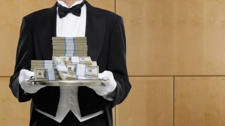 Obiceiurile ciudate ale miliardarilor. Unul bea 20 de cești de ceai pe zi!