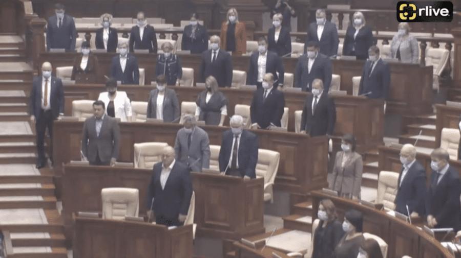 VIDEO Deputații Republicii Moldova au ținut un minut de reculegere în memoria victimelor din orașul Perm