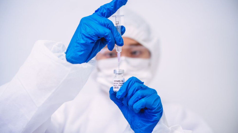 Un copil de 12 ani din Olanda a câștigat în justiție dreptul de a se vaccina fără permisiunea tatălui