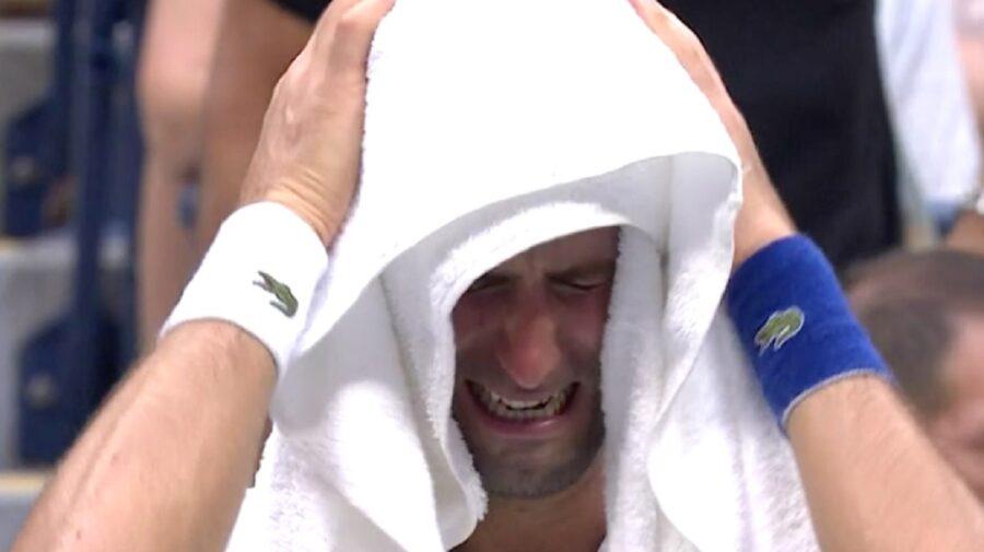 VIDEO Tenismenul numărul 1 în lume, Novak Djokovici, a plâns în hohote în timpul meciului cu rusul Daniil Medvedev