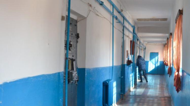 Bani, telefoane mobile și băuturi alcoolice, depistate în penitenciare. Ce alte ilegalități au fost înregistrate