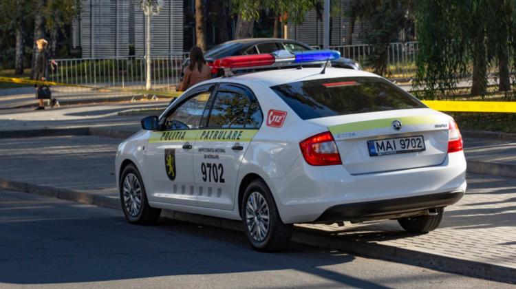 VIDEO Poliția din Bălți o caută! Femeie este suspectată de escrocherie