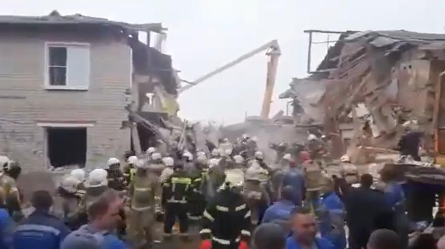 VIDEO Explozie din cauza acumulărilor de gaze într-o clădire din Rusia. Trei persoane, printre care un copil au decedat