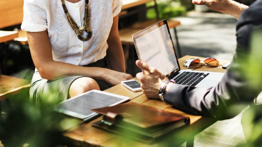 Ești CURIOS cât de mult contează un site pentru afacerea ta?