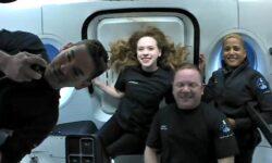 FOTO Cum a petrecut prima zi în spațiu echipajul Inspiration 4, cea mai îndrăzneață misiune a SpaceX de până acum