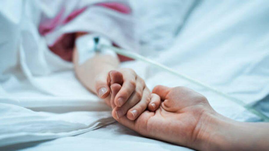 """Mesajul unui pacient COVID, în stare gravă: """"Faceți-mi și zece vaccinuri, numai să mă fac bine"""""""