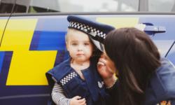 """VIDEO Un copil """"adorabil"""" de patru ani a sunat la Poliție: """"Pot să vă spun ceva""""? Ce a urmat"""
