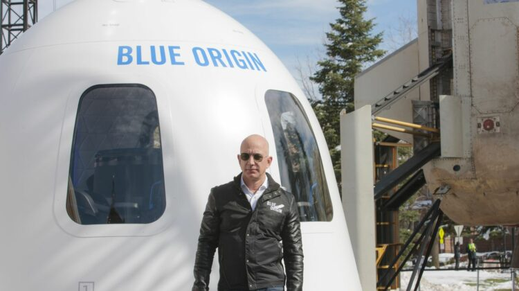 Blue Origin a amânat lansarea navetei spațiale New Shepard din cauza… vântului puternic