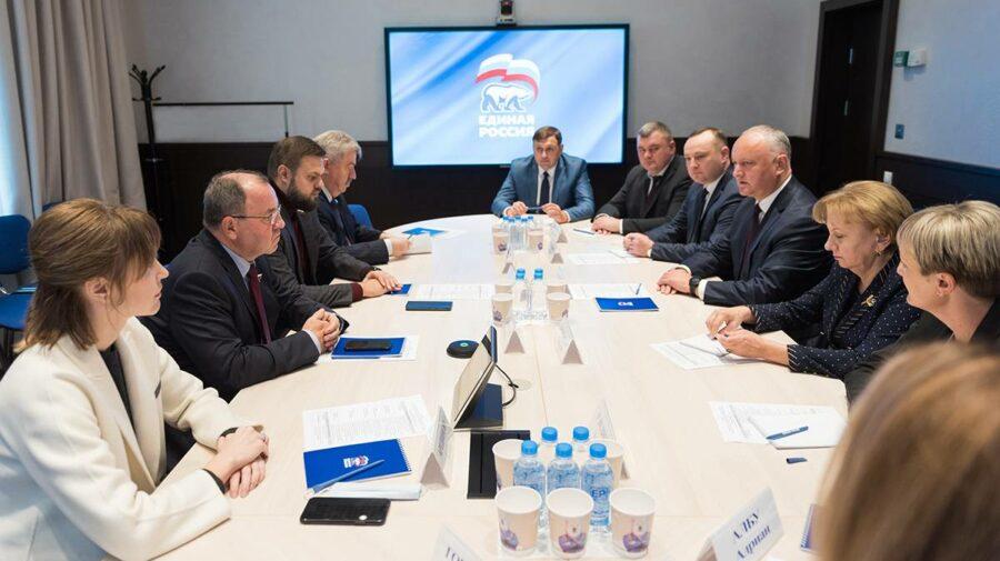 """Deputați PSRM, în frunte cu Dodon, la Moscova. Au avut o întrevedere la sediul """"partidului lui Putin"""""""