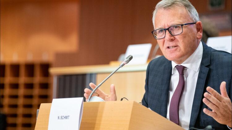 Comisarul european pentru locuri de muncă, alarmat de creșterea sărăciei în Europa din cauza prețurilor la energie