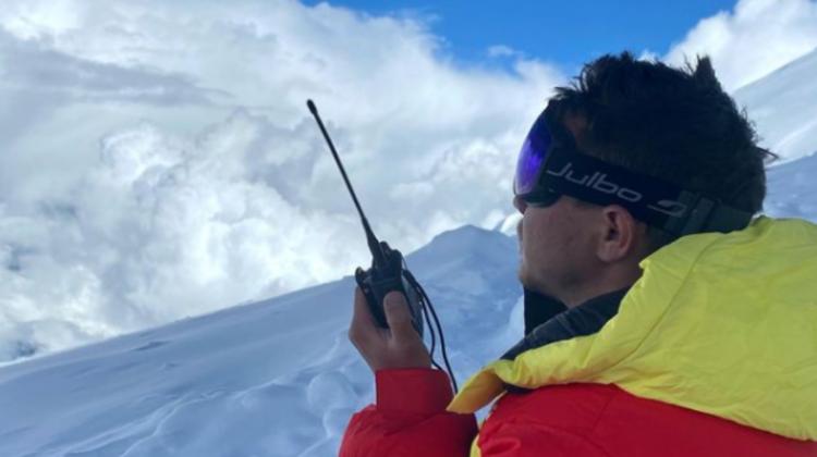 """FOTO, VIDEO """"Performanța sa este extraordinară"""". Rustam Nabiev, primul alpinist fără picioare care a escaladat Himalaya"""