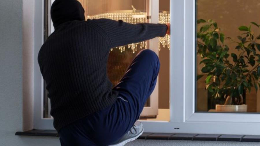 ATENȚIE la hoți! Un alt infractor, depistat de polițiștii din Bălți! Cum se strecura în casele victimelor