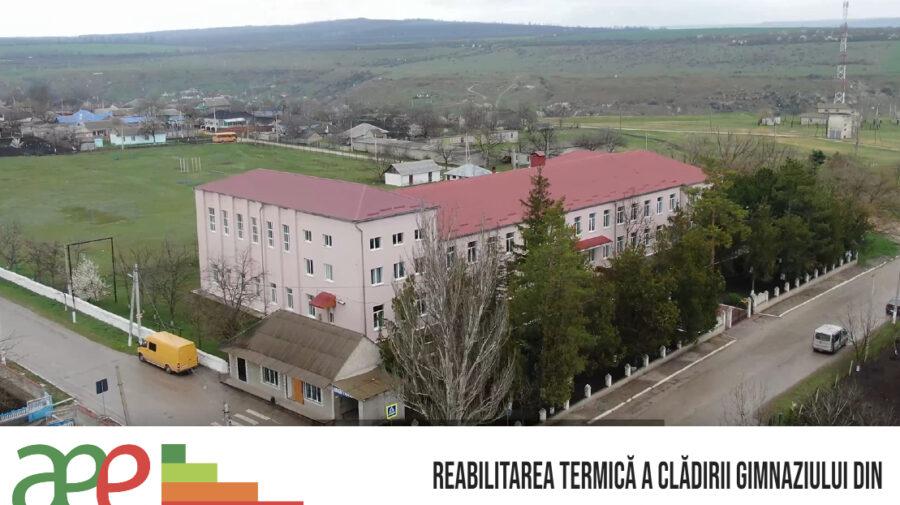 Ferestrele și ușile exterioare a gimnaziului din satul Roșietici, raionul Florești, schimbate. Cum a fost posibil?