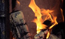VIDEO TRAGIC! Un copil în vârstă de 3 ani a ars de viu într-un incendiu. Unde erau părinții minorului
