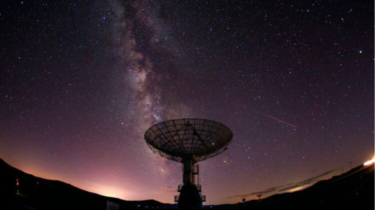 Astronomii sunt fascinați de mesajele primite din cosmos! Ce mistere ascund și de unde vin