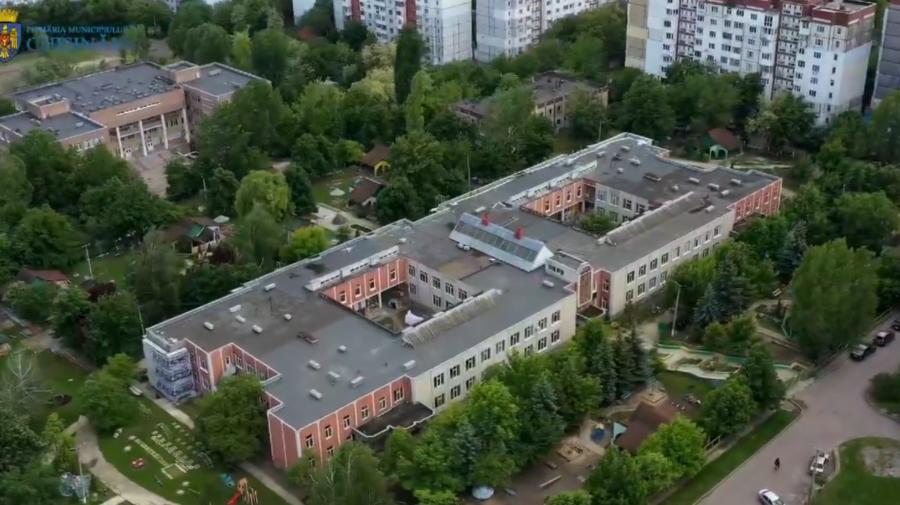VIDEO Copiii vor avea parte de mai multă căldură. O grădiniță din Chișinău a fost reabilitată termic