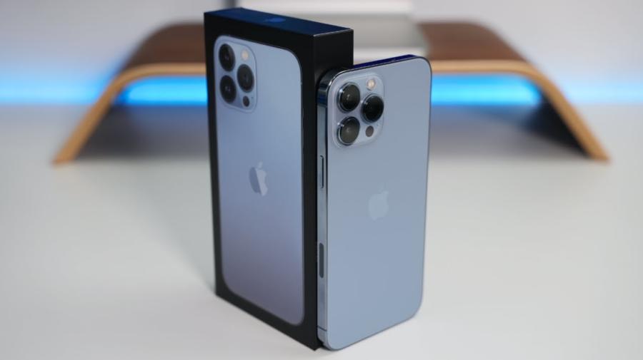 iPhone 13 Pro Max este unul dintre cele mai bine construite telefoane de pe piață. Ce îl face atât de rezistent